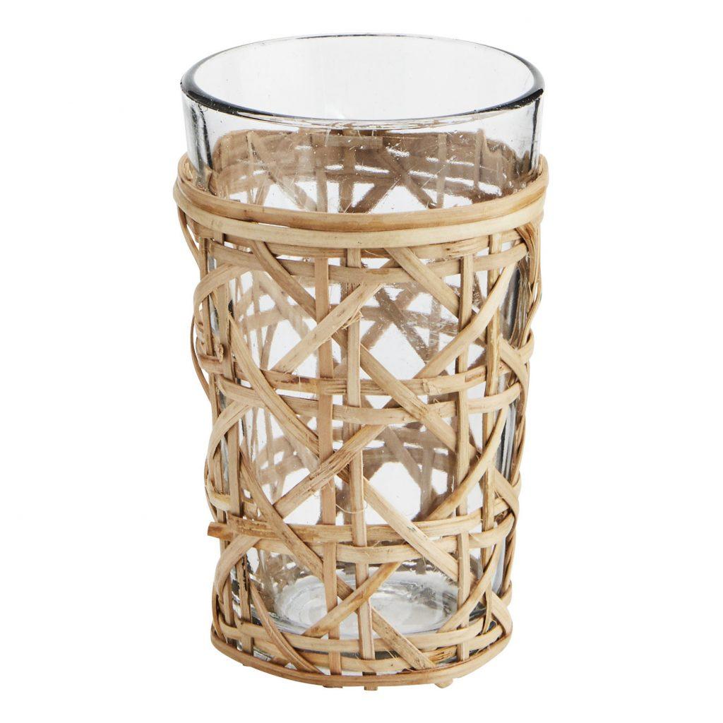vaso envuelto en bambú