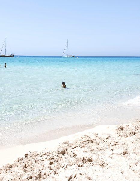 Formentera hoteles playas y restaurantes